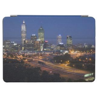 パース、オーストラリア。 都心のパースの眺めからの iPad AIR カバー