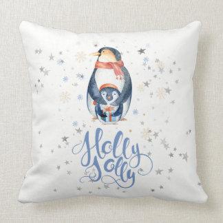 ヒイラギのすてきでモダンなタイポグラフィ及びクリスマスのペンギン クッション