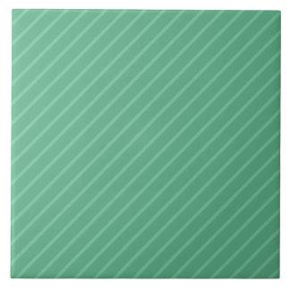 ヒスイ緑の対角線のストライプ。 パターン タイル