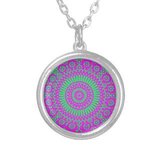 ヒッピーの曼荼羅のネックレス シルバープレートネックレス