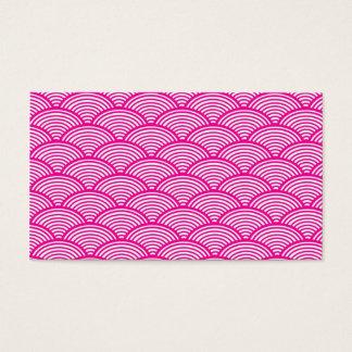ヒップスターのガーリーなピンクの日本のな波パターン 名刺