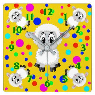 ヒツジのかわいい動物の子供部屋のベビー部屋のカラフル スクエア壁時計