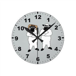 ヒツジのデザインの柱時計 ラウンド壁時計