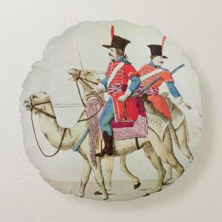 ヒトコブラクダの連隊1839年の兵士 ラウンドクッション