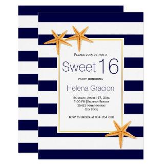 ヒトデおよびストライブ柄のビーチのSweet sixteenの誕生日 12.7 X 17.8 インビテーションカード