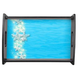 ヒトデの青く白いビーチの黒 トレー