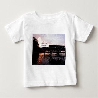 ヒマラヤスギの主バイユー-フロリダ--の芸術 ベビーTシャツ