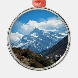 ヒマラヤ山脈エベレストインドネパール旅行夏 メタルオーナメント