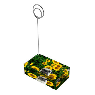 ヒマワリのパグ テーブルカードホルダー
