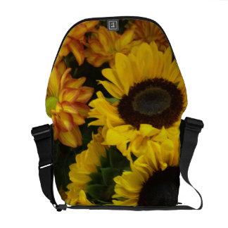 ヒマワリの秋の花 メッセンジャーバッグ