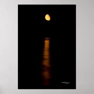 ヒューロン湖のMoonrise ポスター