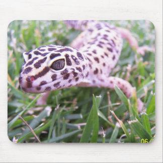 ヒョウのヤモリ マウスパッド