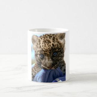 ヒョウの幼いこども コーヒーマグカップ