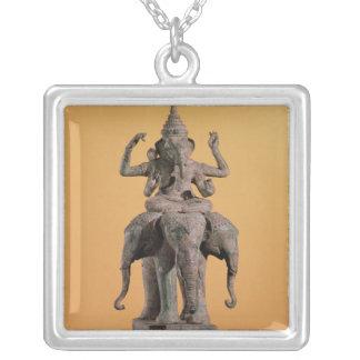 ヒンズー教の神Ganeshの彫像 シルバープレートネックレス