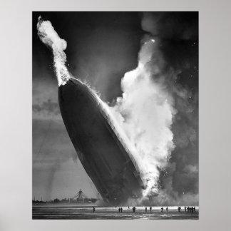 """ヒンデンブルクの災害ポスター16"""" x20""""。 ポスター"""