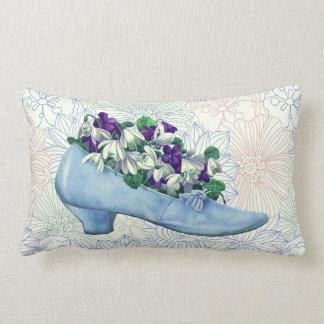ビクトリアンで青い靴の花柄 ランバークッション