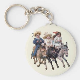 ビクトリアンな子供および馬 キーホルダー