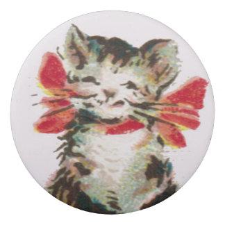 ビクトリアンな虎猫の子猫猫の消す物 消しゴム