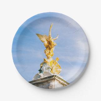 ビクトリア女王の記念の彫像、ロンドンイギリス ペーパープレート