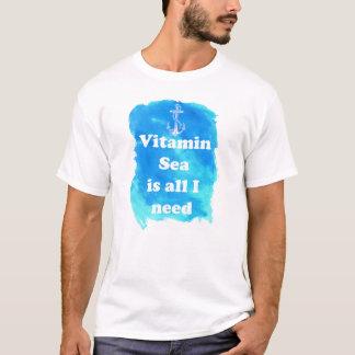 ビタミンの海は私が人のTシャツを必要とするすべてです Tシャツ