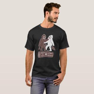 ビッグフット対雪男のおもしろTシャツ Tシャツ