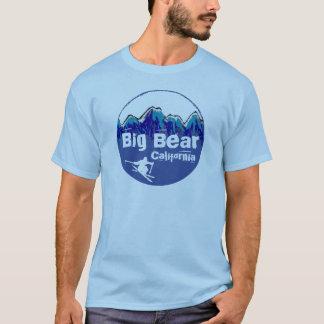 ビッグ・ベアカリフォルニアの青いスキーヤーの人のティー Tシャツ