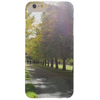 ビュート公園-秋の木 BARELY THERE iPhone 6 PLUS ケース