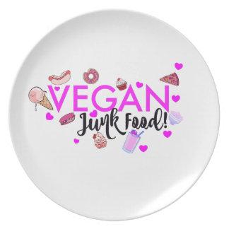ビーガンのジャンクフードのプレート 皿