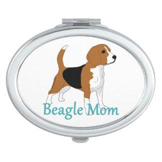 ビーグル犬のお母さんのハウンドドッグの恋人