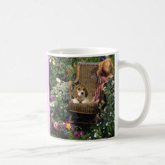 ビーグル犬の庭のマグ コーヒーマグカップ