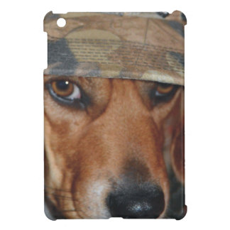 ビーグル犬の迷彩柄の帽子 iPad MINI カバー