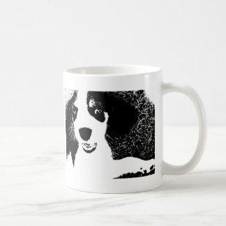 ビーグル犬の黒及び白 コーヒーマグカップ