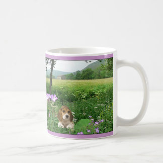 ビーグル犬豪奢な草原のマグ コーヒーマグカップ