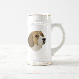ビーグル犬: ビーグル犬のポートレート ビールジョッキ