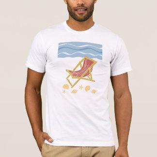 ビーチおよび太陽のloungersのTシャツ Tシャツ