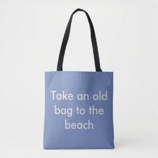 ビーチに妻を持って行って下さい。 微笑させます トートバッグ