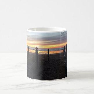 ビーチのコーヒー・マグへのSMAHTの生命道 コーヒーマグカップ