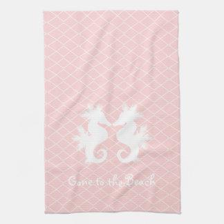 ビーチのタツノオトシゴの台所タオルに行くピンク キッチンタオル