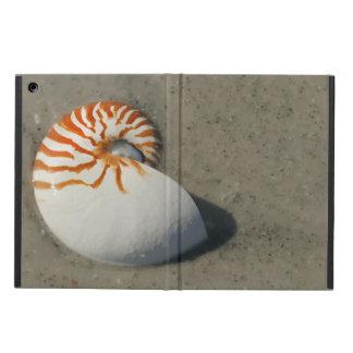 ビーチのトラのオウムガイの貝殻のデザイン iPad AIRケース