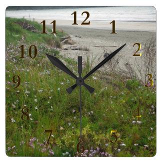 ビーチのニュージーランドのaotearoa スクエア壁時計