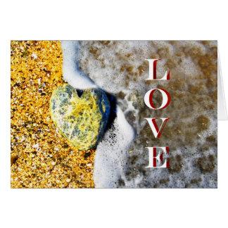 ビーチのハート形愛小石 カード