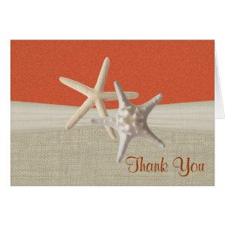 ビーチのバーラップおよびヒトデの珊瑚は感謝していしています カード