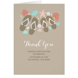 ビーチのビーチサンダルのロマンチックな結婚式は感謝していしています ノートカード