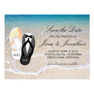 """ビーチのブロンドの""""氏および夫人""""結婚式の保存日付 ポストカード"""