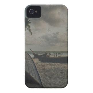 ビーチのボート Case-Mate iPhone 4 ケース