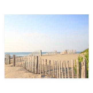 ビーチの塀の郵便はがき ポストカード