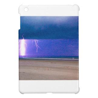ビーチの嵐は見るために美しいです iPad MINIカバー