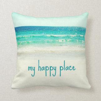ビーチの幸せな場所の単語の枕 クッション