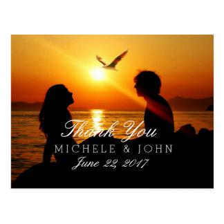 ビーチの日没のカップルの047シルエット( ポストカード
