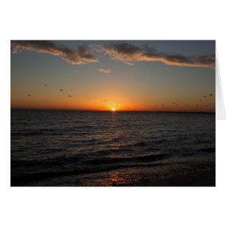 ビーチの日没のメッセージカード カード